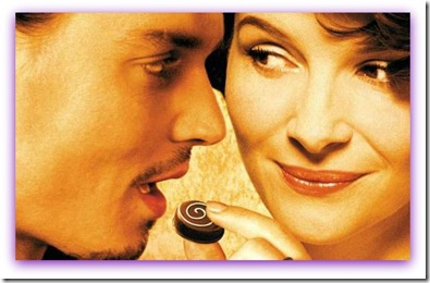 Imagem do filme Chocolat, com Johnny Depp e Juliette Binoche