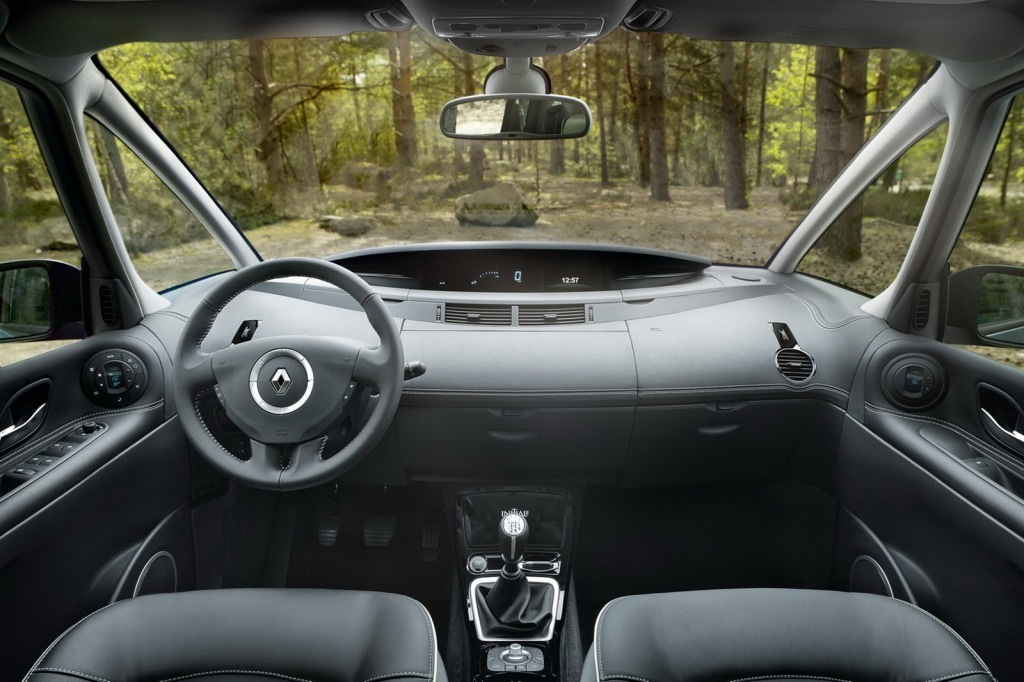 2013-Renault-Espace-Facelift-Interior-2.jpg?imgmax=1800