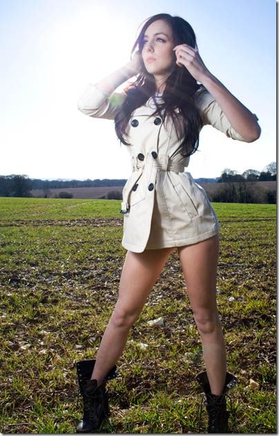 Poppy-Thompson-hot-girl-3