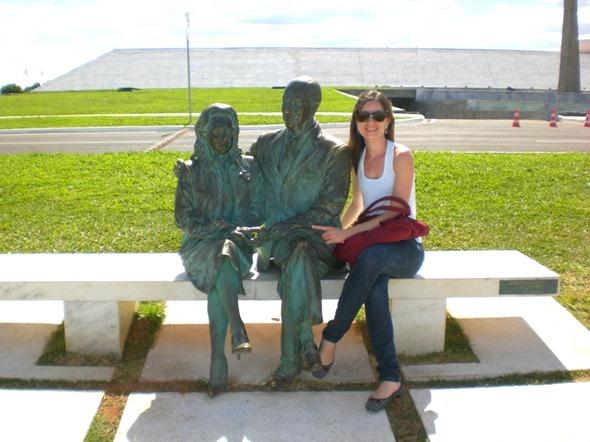 Foto jacu com Sara e JK em Brasília