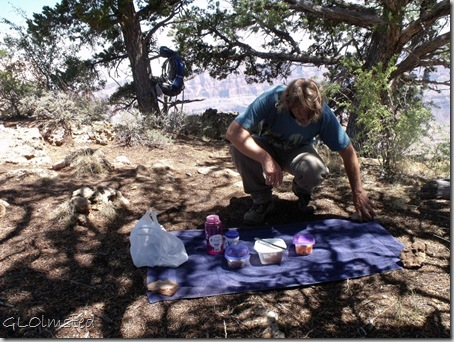 10 Mike setting out picnic at Cape Final NR GRCA NP AZ (1024x768)