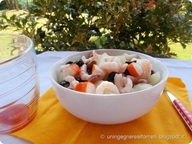 insalata melone bianco giallo surimi gamberetti olive borlotti