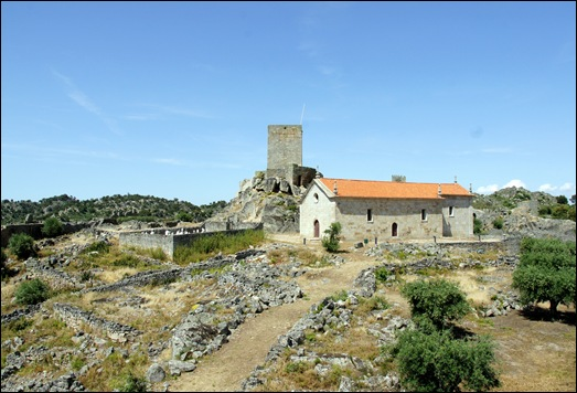 Marialva - Glória Ishizaka - Castelo e igreja de Santiago 1
