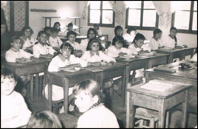 ¿Colegio de Adoratrices años Valencia 60