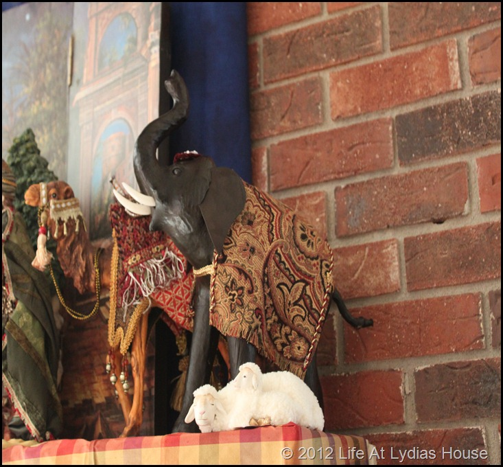 nativity mantle 4