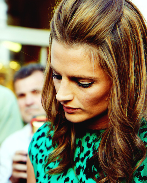 Stana Katic In Zl N May