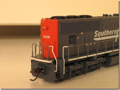 IMG_0735 Athearn Genesis SD70M Southern Pacific #9809
