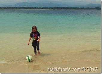 79 beach football (640x465)