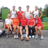 van links naar rechts: Janneke Ensing, Desly Hill (assistent trainer), Yvonne Nauta.</p>