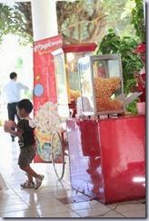 popcorn maker stall