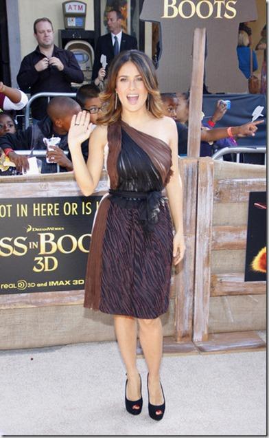 Salma Hayek Stars Puss Boots Premiere 7dq1ldjPTI4l