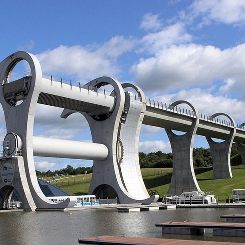 Falkirk Wheel: Rotating Boat Lift in Scotland