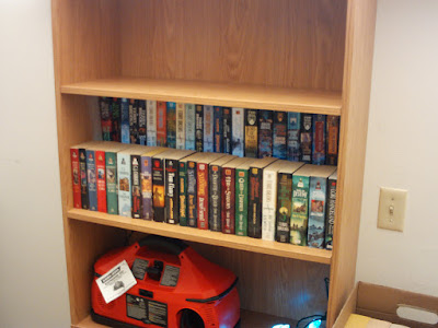 Here you can see what the cardboard bookshelf riser looks like.