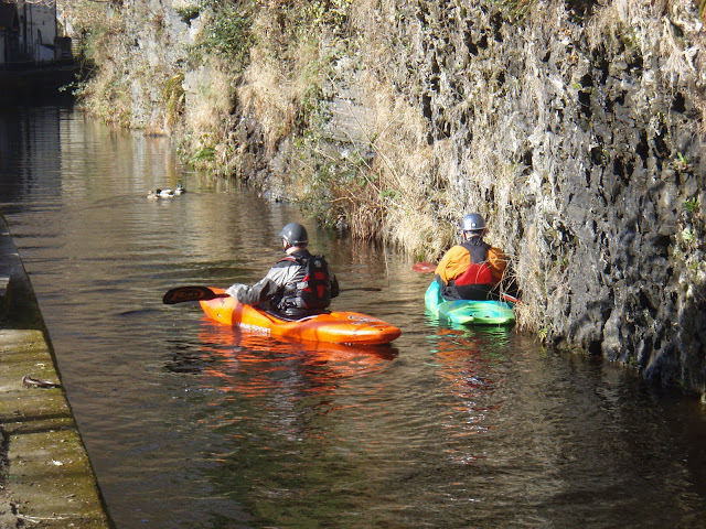 Paddling up the canal to the river Dee