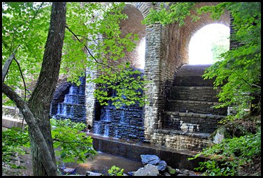 03e4 - Cumberland Mountain SP, under the bridge