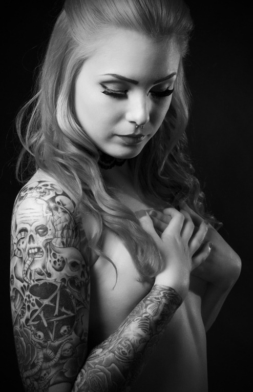 awesome_tattooed_beautiful_women_9