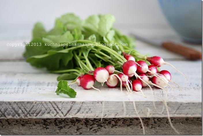 sałata karbowana, rzodkiewka i zioła (8)