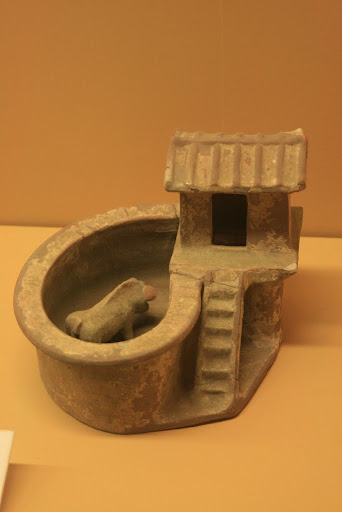 Green-glazed model of toilet with Pigsty (Han Dynasty, 25-220AD), Diaoqiao town, Tongguan County