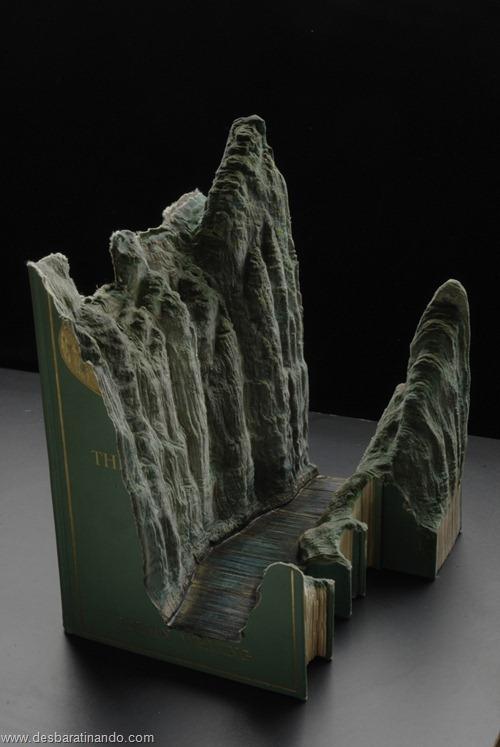 livros montanhas entalhados esculpidos desbaratinando (10)