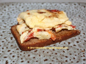 Cinnamon Dried Fruit Bread - with omelet B