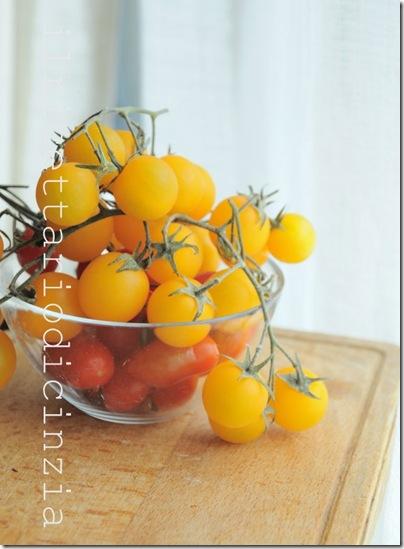 strudel di pomodorini gialli e rossi, feta e origano
