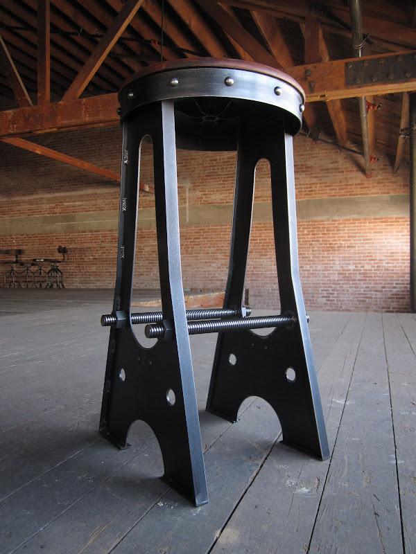 metal industrial furniture. IMG_2836.jpg Metal Industrial Furniture