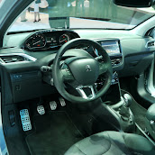 2013-Peugeot-208-HB-Live-1.jpg