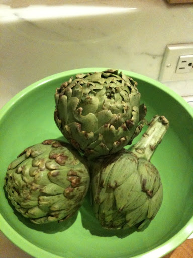 Artichokes should be bright green with tightly packed leaves.