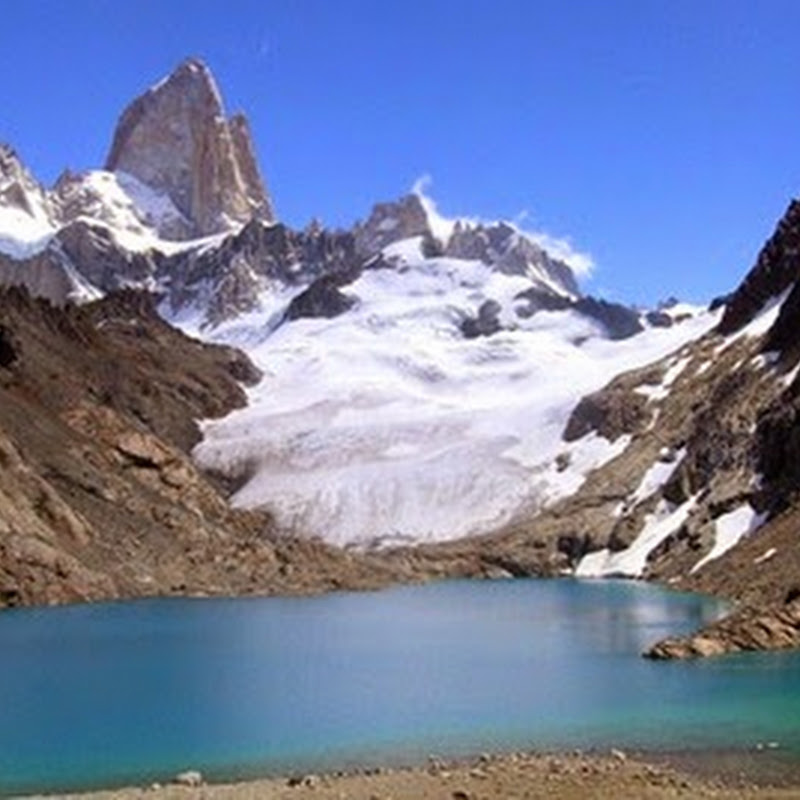 The Fitz Roy is famous of impossible to huge rock walls covered with ice floes.