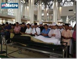 Gambar Allahyarham Datuk Saharuddin Ibrahim dikebumikan 9