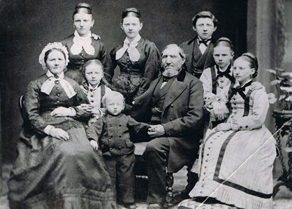 Rasmus Hansen, Annie Caspersen & Children