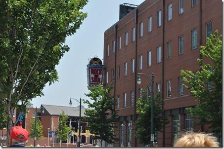 06-09-11 Memphis Beale St 01