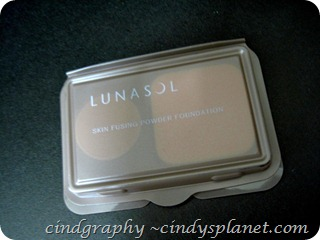 Bag of Love Lunasol Foundation
