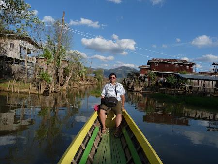 Obiective turistice Myanmar: sat Inle Lake
