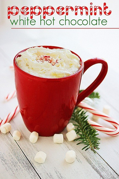 Peppermint White Hot Chocolate – The perfect warm & cozy sip for chilly winter days! | thecomfortofcooking.com