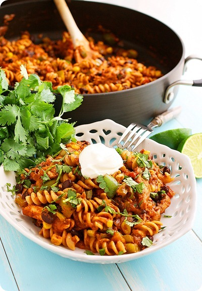 Cheesy Tex-Mex Chicken Pasta Skillet | Pinnutty.com
