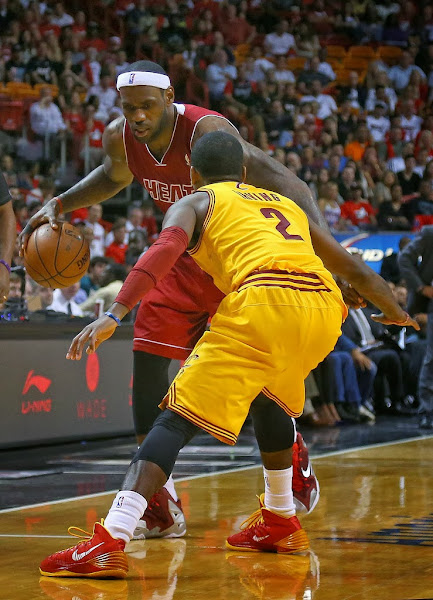 lebron james nba 131214 mia vs cle 11 King James Goes Back to LEBRON 11 With New Red/Silver/White PE