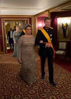 La gran Duquesa Teresa llevó un diseño en gris-humo en pedrería de la colección alta costura otoño-invierno 2013-2013 de Elie Saab.