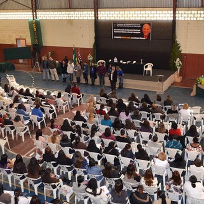 Secretaria de Educação de Itapecerica promove encontro pedagógico
