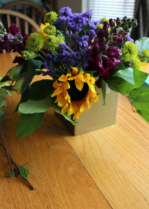 DIY floral centerpieces, how to arrange flowers