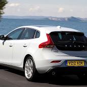 2013-Volvo-V40-New-44.jpg