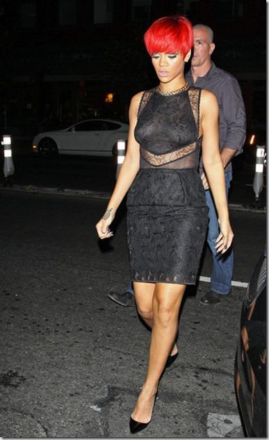 Rihanna Rihanna Leaves Madison Square Garden 5dqnJYz_K7-l