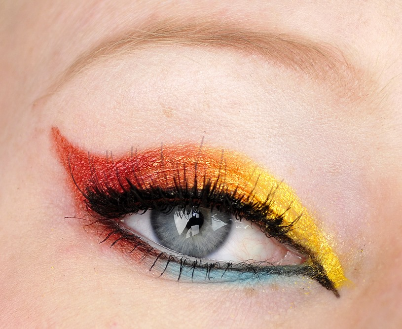 storybook circus eye makeup look 2