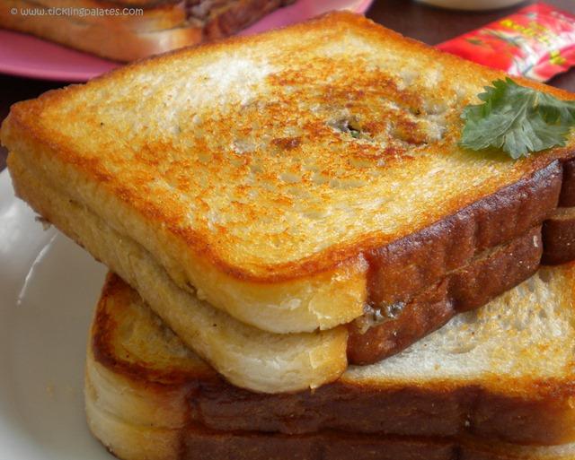Mushroom N Cheese Sandwich