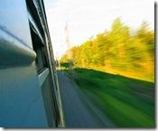 5008957-la-velocita-del-movimento-dal-finestrino-di-un-treno
