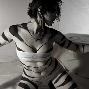 Tiger Play by Kyle Rea - People Body Art/Tattoos ( person, creative castle studios, push the girl, fine art, alyssa push, dramatic pose, people, royce moreoshek, kyle rea photography, painted women, bodypainting photos, tattoo, lai-fern, genre photography )