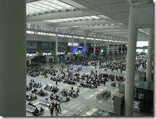 上海駅にて