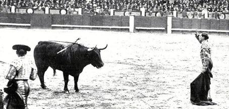 1917-05-04 (Mundo Grafico) Madrid Joselito (3º) viendo morir