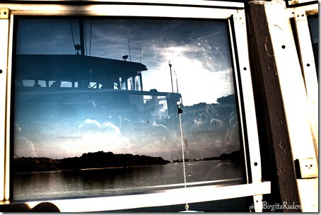 window_20120818_boat