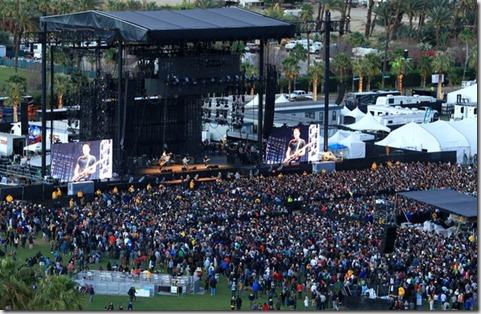 2012 Coachella Valley Music Arts Festival q_bH5r2AiWfl